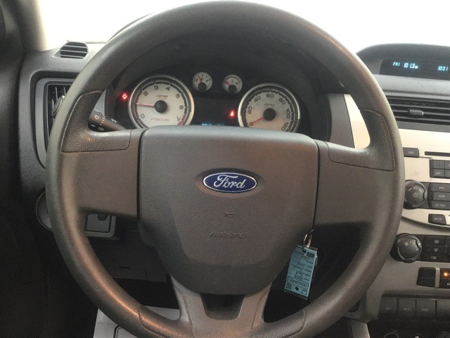 Pre-Owned 2008 Ford Focus SE
