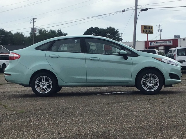 New 2019 Ford Fiesta SE